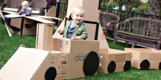 cardboard-tren