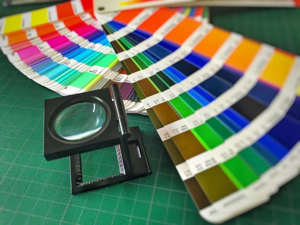 La elección del color corporativo, clave en el diseño gráfico.