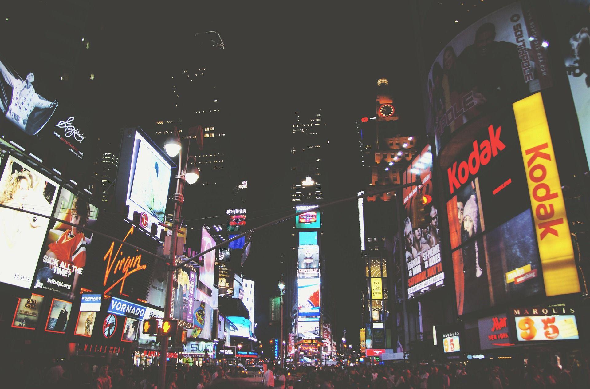 En el mundo de la imagen debemos acertar en el diseño de nuestro expositor o publicidad