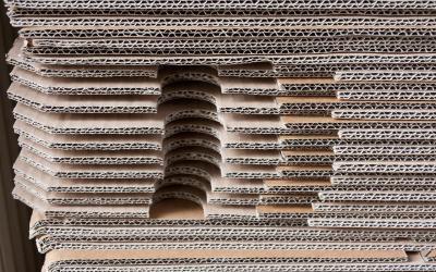 ¿Cómo elegir un fabricante de expositores de cartón?